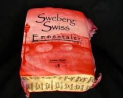 EMMENTAL KING CUTS SWISS - R.W. 3KG (RED PACKAGING)